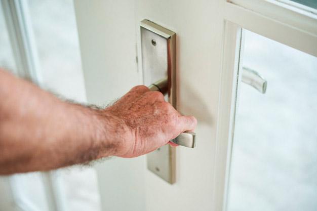 Cómo elegir una puerta de seguridad